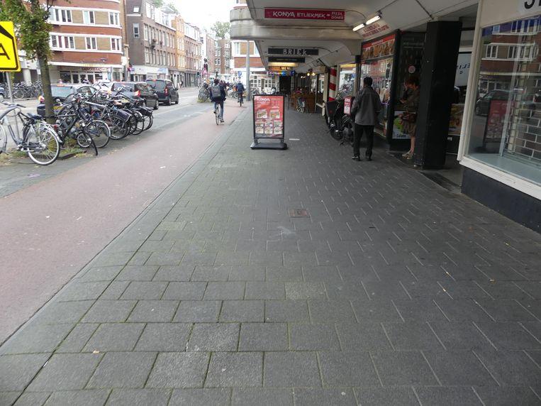 Passage op de Jan Evertsenstraat vóór de renovatie. Beeld Privé-archief