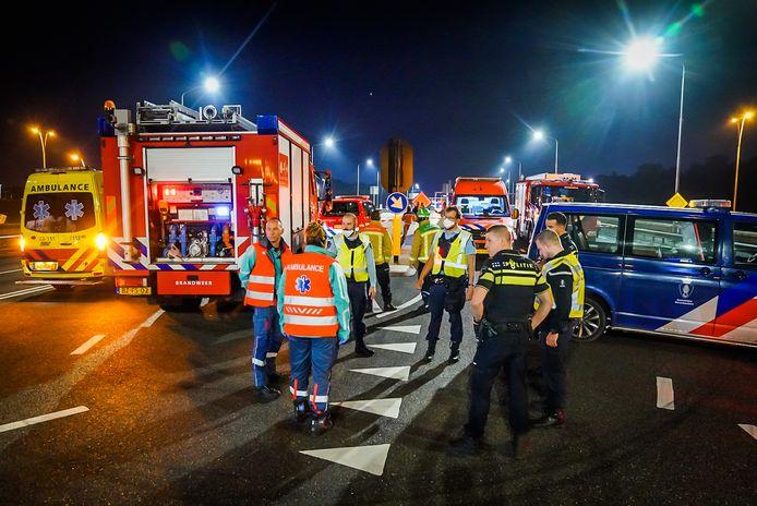 De bus werd even na 02.00 uur in de nacht gesignaleerd door twee leden van de Koninklijke Marechaussee