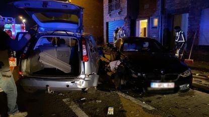 Beschonken bestuurder (34) richt ravage aan met BMW en ramt twee geparkeerde wagens en woning