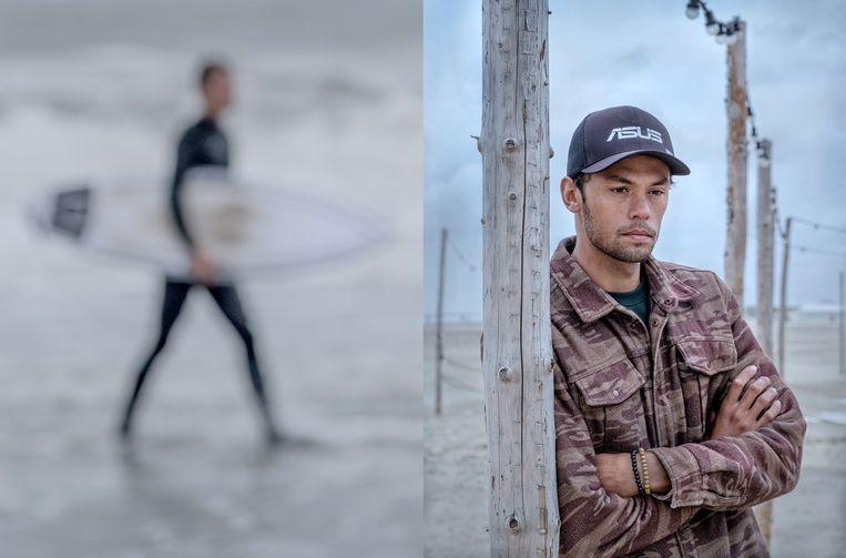 Kiran Badloe, wereldkampioen windsurfen, op het strand van Scheveningen. Beeld Patrick Post