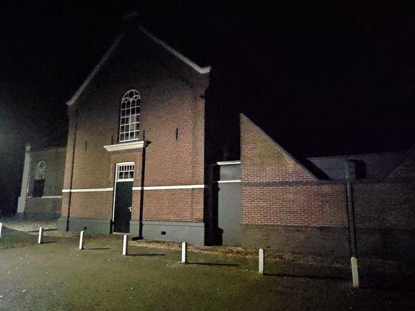 Zoon Jan postte op Facebook ook een foto van de gereformeerde kerk van Ruinerwold-Koekange bij nacht.