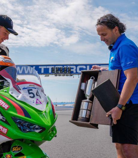 Wereldkampioen Jeffrey Buis uit Steenwijkerwold verrast met hoogste onderscheiding van KNMV