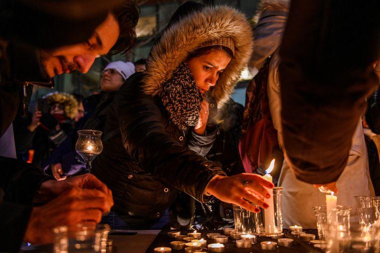 De Iraanse gemeenschap in Montreal rouwt om de slachtoffers van de ramp met de Boeing 737. Onder de doden waren 63 Canadezen en Iraniërs die naar Canada zouden gaan. Beeld null