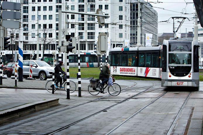 Sinds de rails in 2019 zijn vervangen, maken de trams een piepend geluid. Behalve als het regent.