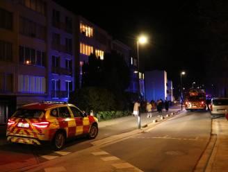 Appartementsgebouw geëvacueerd na brand in keuken op bovenste verdieping