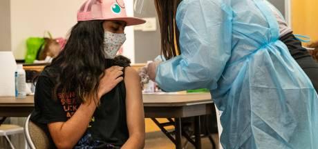 Waarom zou je je als gezonde dertiger laten inenten tegen corona? En andere vaccinatievragen