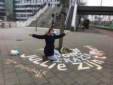 Rotterdamse Eva maakt 'Pepchalks' als hart onder de riem voor zorgpersoneel: 'Jullie zijn toppers!'