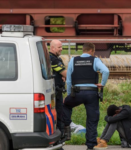Oproep aan truckers in haven Moerdijk: 'Controleer vrachtwagen en lading op verstekelingen'