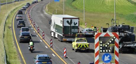 File op A50 tussen Apeldoorn en Vaassen na botsing tussen vrachtwagen en auto