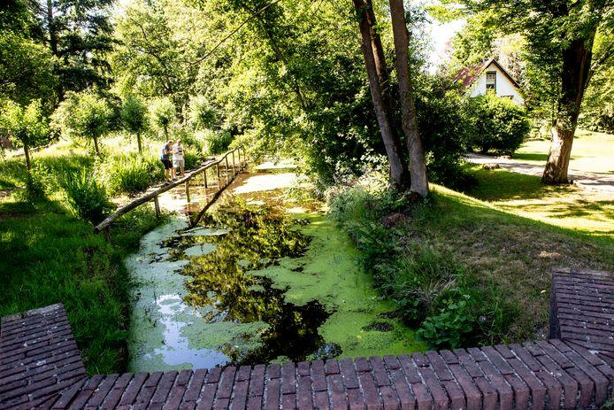 De Schoolbeek aan de Ugchelseweg.