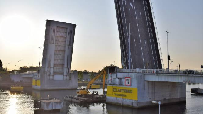 """Van 7 tot en met 14 november rondrijden aan Zelzatebrug: """"Werken aan brugpijlers worden vooral 's nachts uitgevoerd."""""""