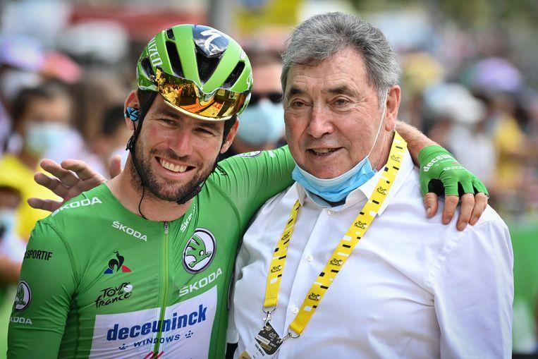 Mark Cavendish en Eddy Merckx in Mourenx. Beeld ANP