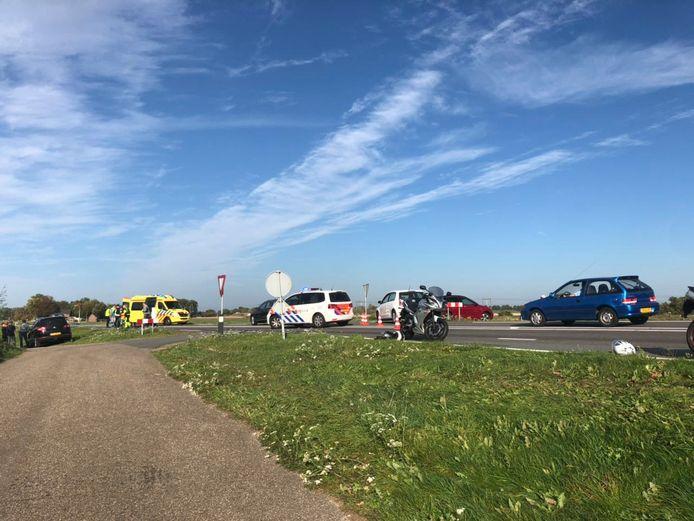 De Rijksstraatweg werd na het ongeluk afgesloten en verkeer werd omgeleid.