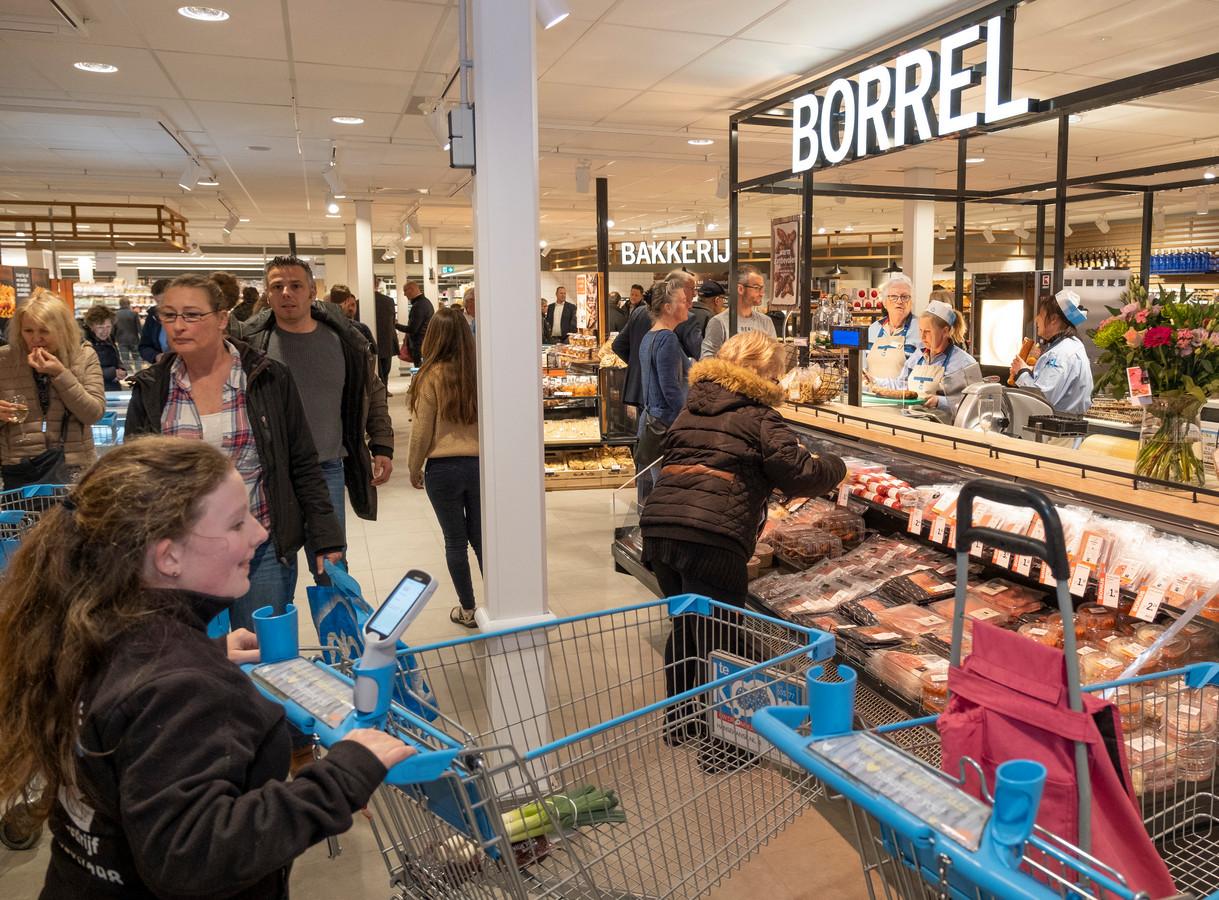Het liep gelijk storm bij de heropening van Market Plaza in Burgh-Haamstede