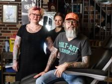 Gert-Jan en Marely uit Nijverdal worstelen met  vooroordelen die er zijn rond tattoos: 'Is iets voor criminelen'