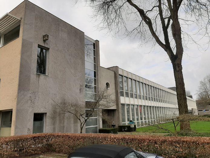 Het gebouw aan de Ringbaan-West werd werd in 1962 speciaal voor de GGD ontworpen.
