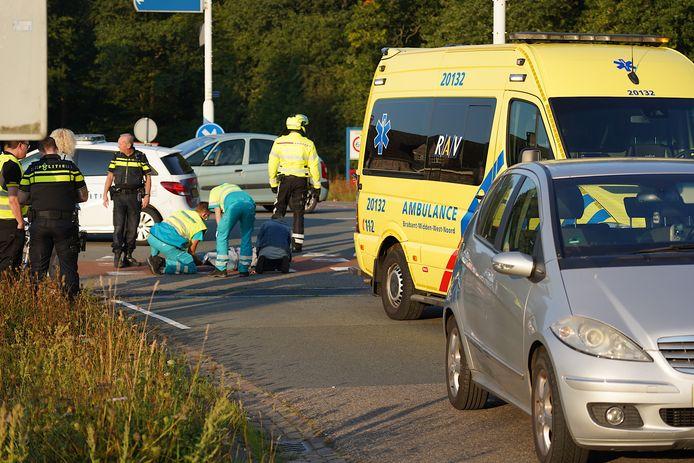 Fietsster gewond bij aanrijding door auto in Dorst.