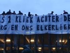 Helmond Sport-supporters scharen zich achter zorgpersoneel: 'Als één kliek achter ons Elkerliek'