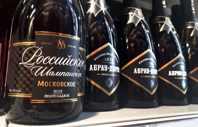 Flessen Russische 'champagne'  zijn volop te koop in Moskou, de vraag is of dit ook zo blijft voor de beroemde Franse wijn.