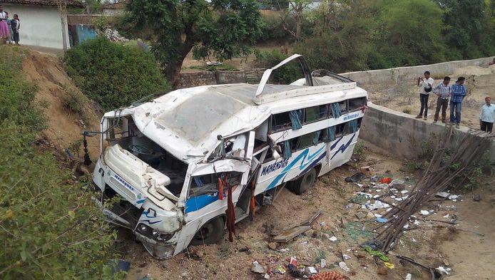 De gecrashte bus.