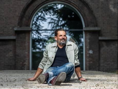 Jerry Goossens is 25 jaar columnist: 'Zonder akkoord van mijn vrouw gaat de column de deur niet uit'