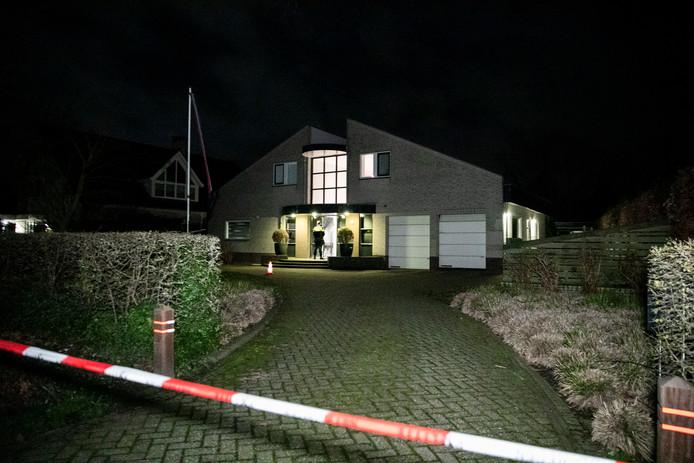 De woning waar vannacht een overval is gepleegd, op de Kerkstraat in Nijmegen.