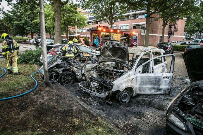 Vier auto's zijn uitgebrand in Nijmegen.