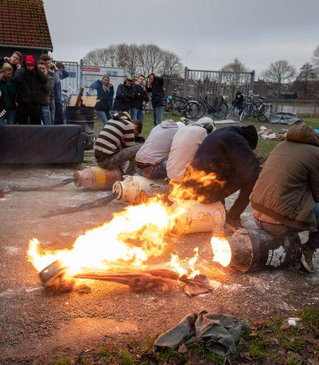 Helft van burgemeesters in Oost-Nederland stelt extra voorwaarden aan carbidschieten tijdens jaarwisseling