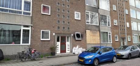Gemeente Schiedam spreekt bewoners aan op herstel van woningen na brand