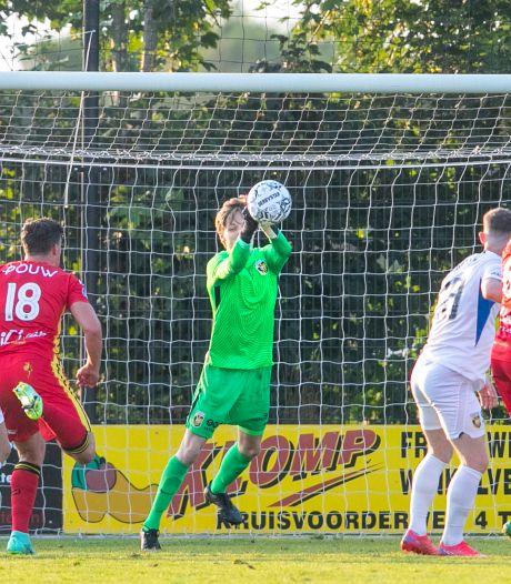 Vitesse speelt gelijk bij officieus debuut van doelman Markus Schubert