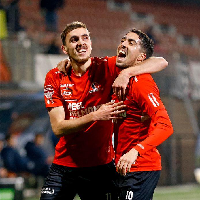 Lance Duijvestijn (l) is met Karim Loukili clubtopscorer van Helmond Sport. Beiden staan op negen doelpunten.