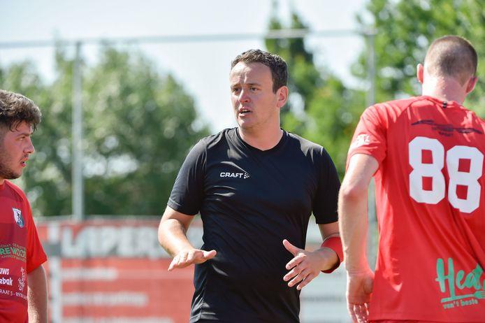 Angelo Vanheuverbeke maakt bij RC Lauwe als trainer zijn debuut.