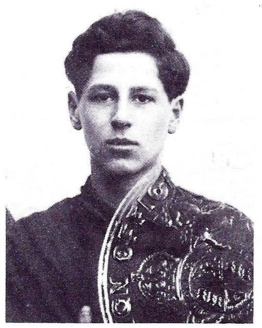 Fred Zeller gefotografeerd in 1939. Hij overleefde de holocaust dankzij rabbijn Alexander Salomons.