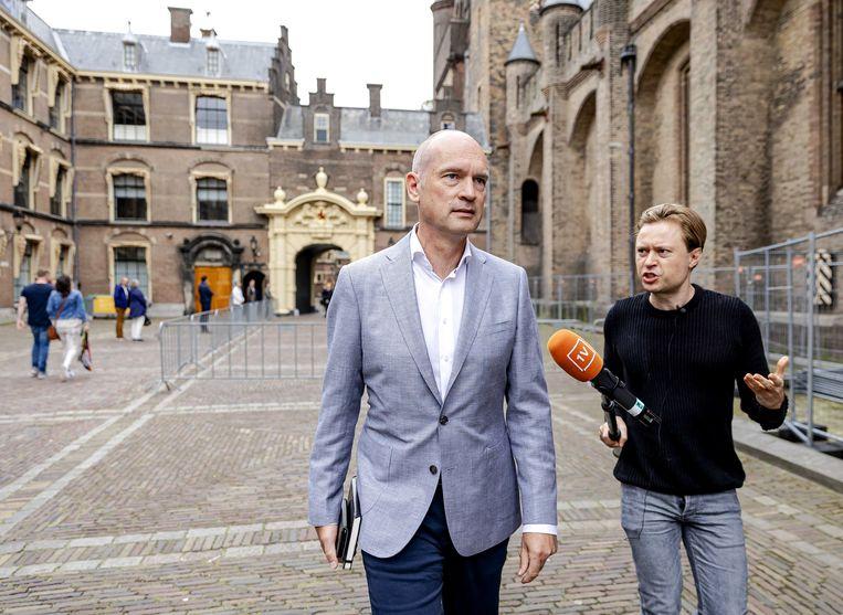Gert-Jan Segers (CU) komt aan voor een gesprek met informateur Mariette Hamer en Sigrid Kaag (D66) over de kabinetsformatie. Beeld ANP