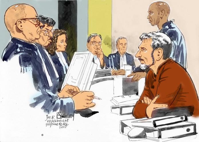 Verdachte Jos Brech en zijn advocaat Gerald Roethof tijdens de zitting in de rechtbank van Maastricht.