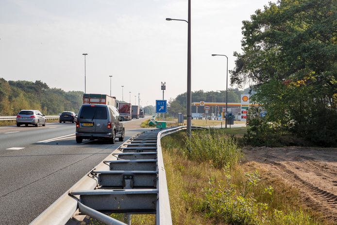 De toerit tot tankstation Kloosters aan de A58 tussen Oirschot en Eindhoven. Zowel de toerit als de afrit worden volgend jaar 700 meter lang.