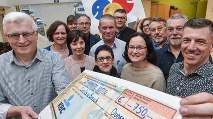 SEMA schenkt 750 euro aan 'Give us a break'