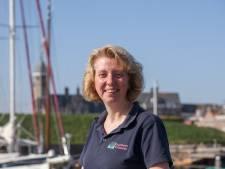 Havenmeester Lilian voelt zich thuis in Willemstad: 'Ik heb bijna altijd met vrolijke mensen te maken'