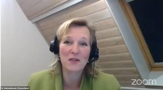 Mariska Sturkenboom van DorpsGoed tijdens de online vergadering.