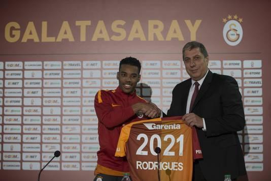 Garry Mendes Rodrigues bij zijn presentatie bij Galatasaray.