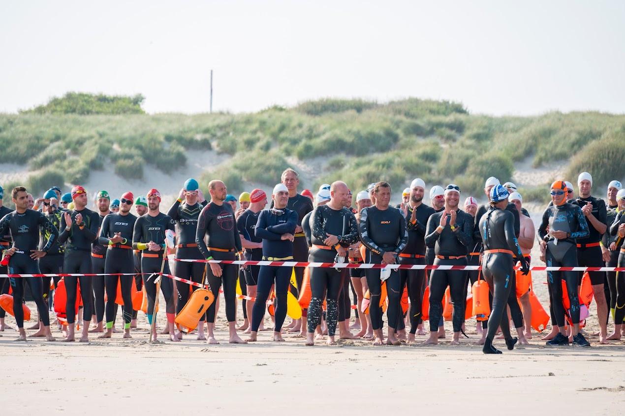 De eerste North Sea Swim Challenge lokte 150 deelnemers.