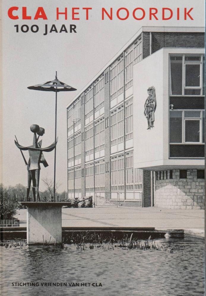 Een kloek boek over het honderdjarige Christelijk Lyceum Almelo. Sinds 1993 heet de school Het Noordik.