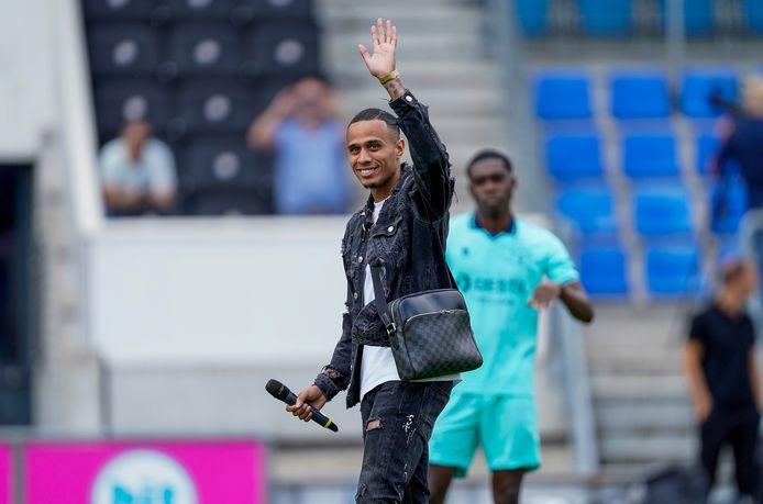Damil Dankerlui neemt afscheid van de fans van Willem II.