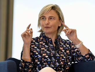 """Vlaamse regering overweegt het nu toch: """"Uitgebreide coronapas? Ja, maar uitzonderlijk"""""""