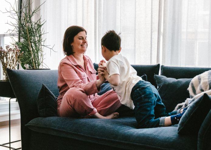 Interieurarchitect Kelly en haar zoon Leon.