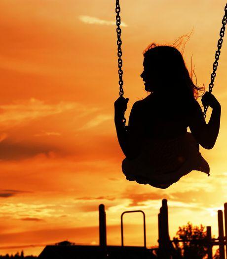 Gravenaar zou minderjarige nichtjes jarenlang hebben misbruikt, dna van één meisje zat op seksspeeltje