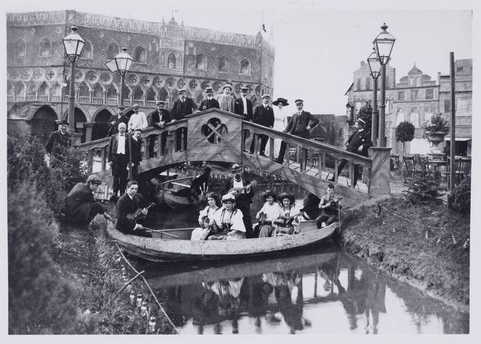 In 1909 vierde de stad het 100-jarige bestaan met een grote tentoonstelling Handel en Nijverheid, in Venetiaanse stijl.