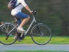 Reflecterend asfalt voor fietsroute Boekel