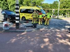 Bestelauto botst op ambulance in Harderwijk