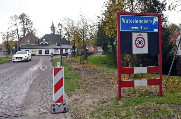Waterlandkerkje is landelijk in het nieuws door de zedenzaak die zich daar afspeelde
